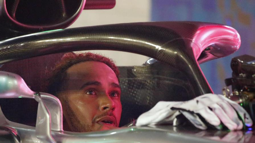 """""""Hamilton dimostra che l'uomo vale più della macchina"""""""