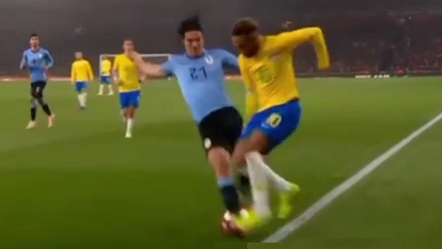 Neymar-Cavani, fallo e scintille