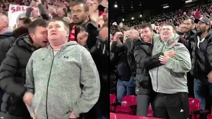 Esulta al gol del Liverpool. Ma non può vederlo