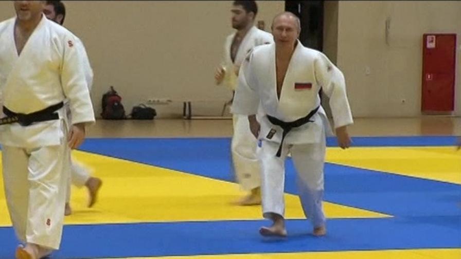 Putin, judoka provetto: si allena con la nazionale russa