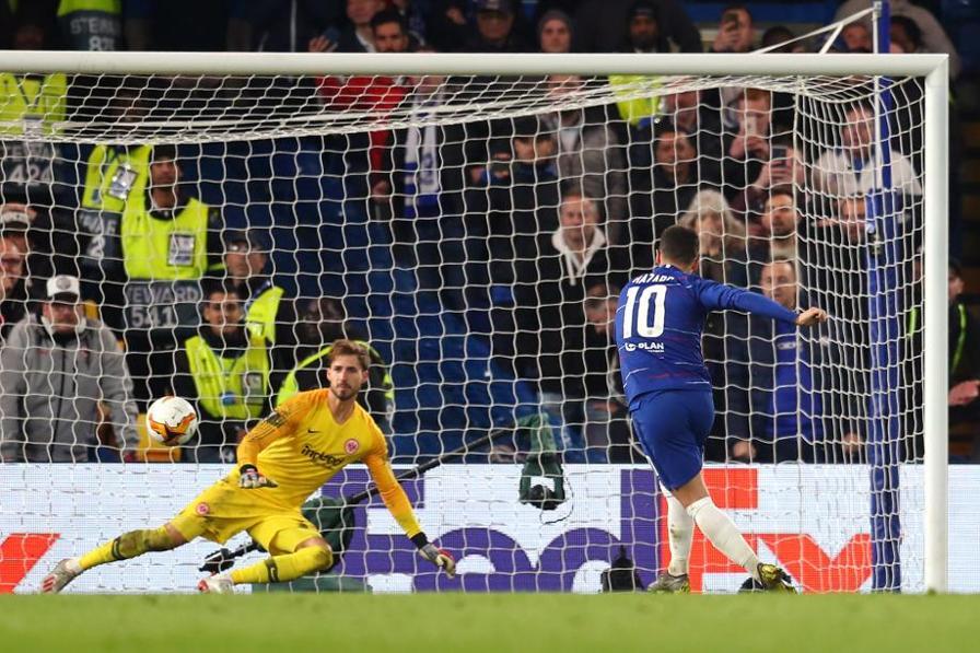 Una partita infinita che promuove il Chelsea di Maurizio Sarri in finale. 1-1 il risultato dopo tempi regolamentari e supplementari: decidono i rigori. L'ultimo calciato da un freddissimo Hazard
