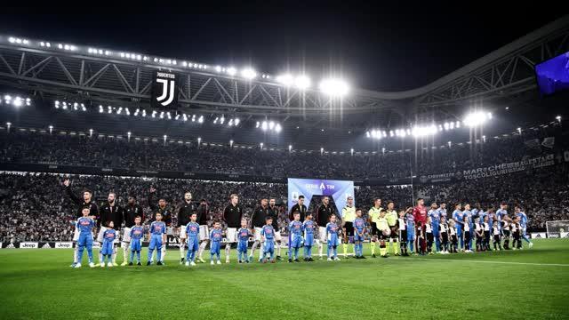 Una grande parata di Szczesny, poi solo Juve: primo tempo dominato dai bianconeri che chiudono i primi 45' in vantaggio 2-0