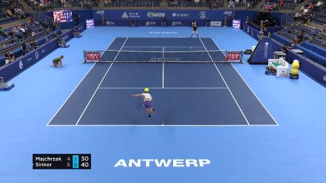 Tennis, Anversa, Sinner, che dritto! Ecco come ha steso Majchrzak...