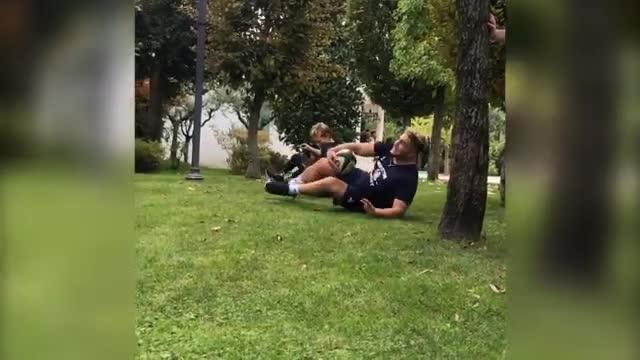 Bebe Vio si dà al rugby: che placcaggio su Pasquali