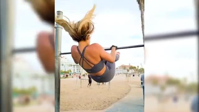Kinsey si tiene in forma così: l'allenamento è bollente