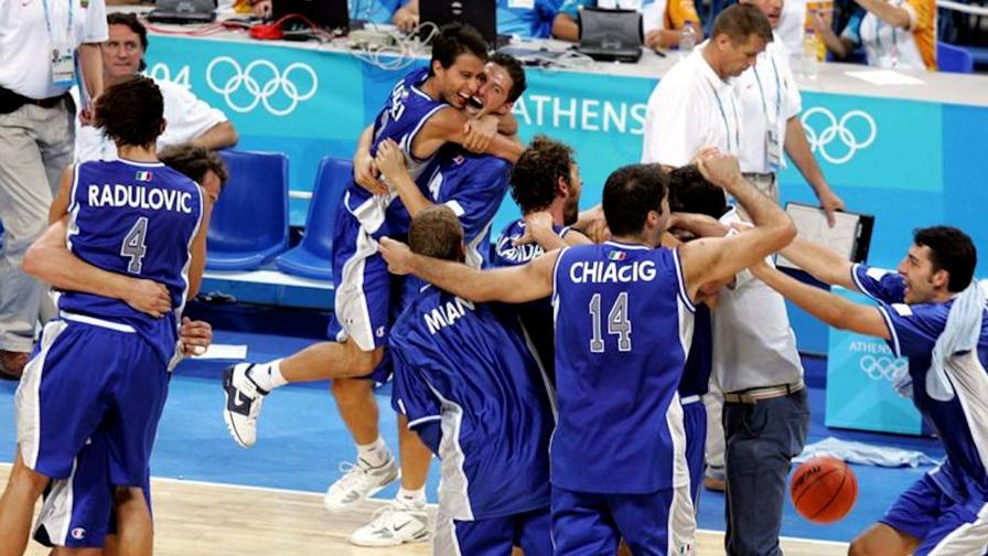Il commento di Davide Chinellato sul successo dell'Italia del basket nella finale del torneo preolimpico contro la Serbia: gli azzurri dopo 17 anni parteciperanno ai Giochi olimpici.